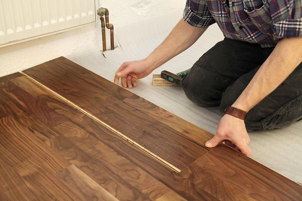 fertigparkett g nstiger parkettboden. Black Bedroom Furniture Sets. Home Design Ideas
